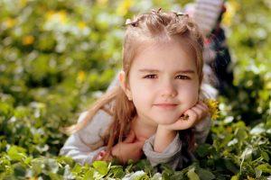girl-1250679_1920